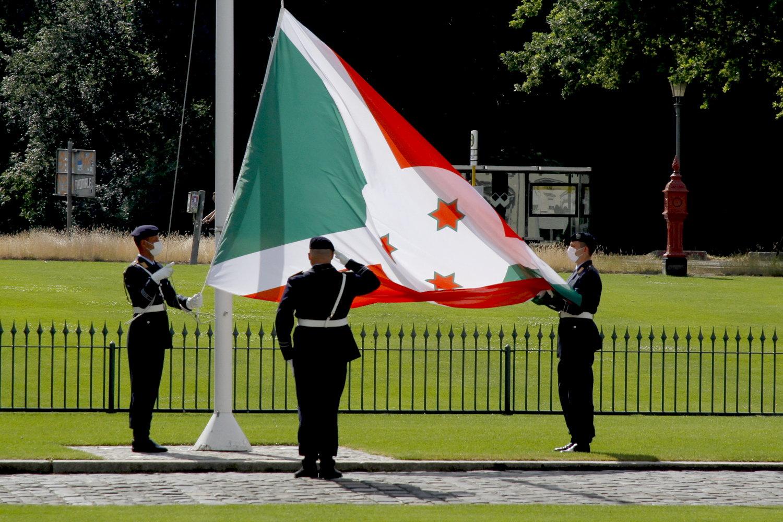 Botschafterin der Republik Burundi, Appolonie Nibona, bei Bundespräsident Frank-Walter Steinmeier im Schloss Bellevue akkreditiert