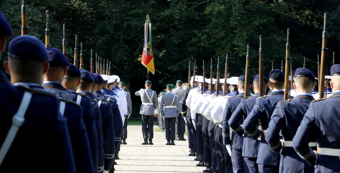 Kroatiens Präsident Zoran Milanović Schloss Bellevue Bundespräsident Steinmeier militärische Ehren