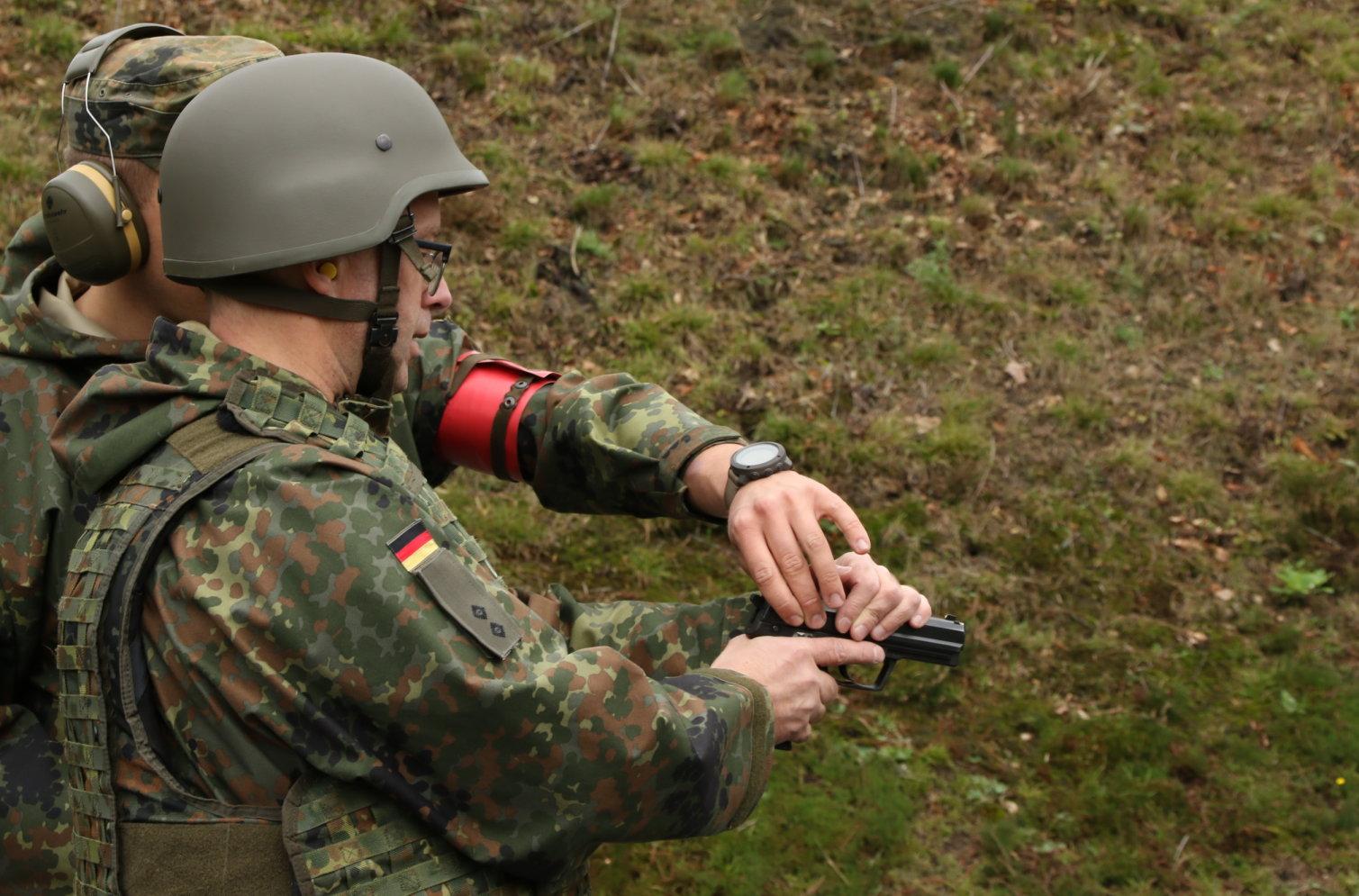 InfoDVag SKB LogSBw Garlstedt Pistole P8