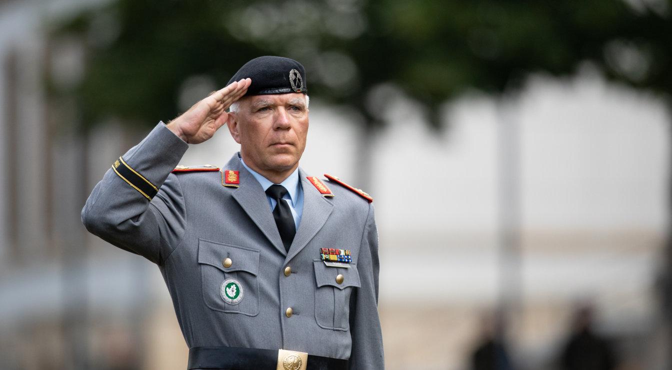 Kommandowechsel bei der Offizierschule des Heeres in Dresden Brigadegeneral Olaf Rohde